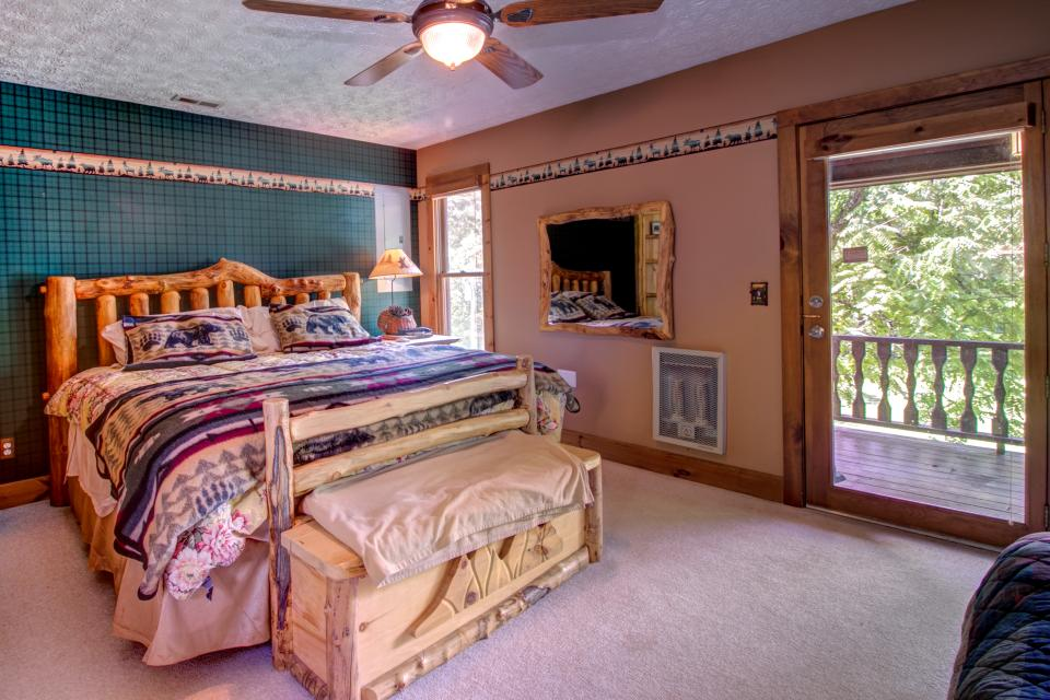 Weeks Creek Lodge - Blue Ridge Vacation Rental - Photo 37