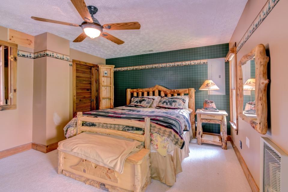 Weeks Creek Lodge - Blue Ridge Vacation Rental - Photo 36