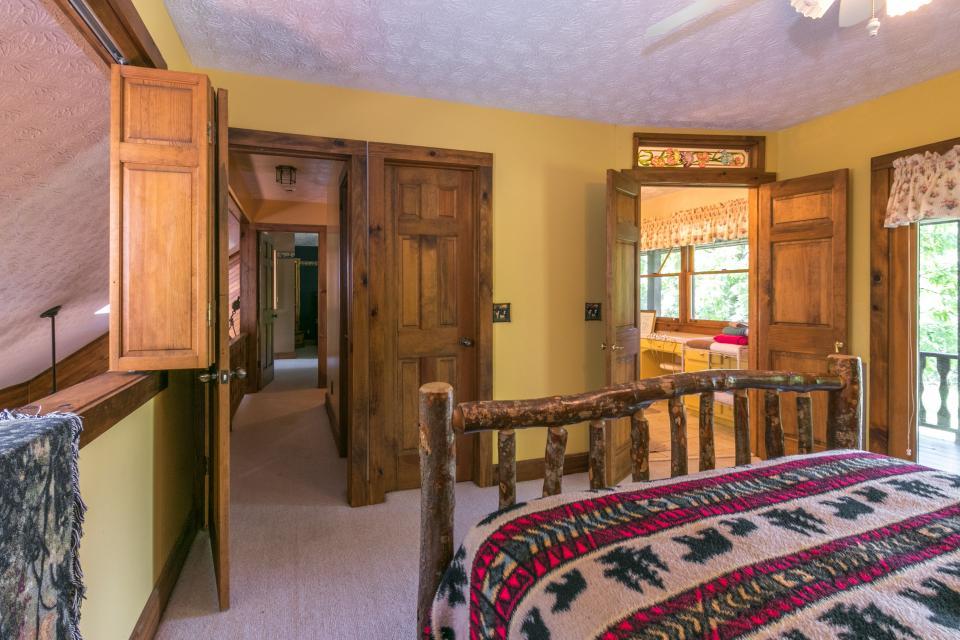 Weeks Creek Lodge - Blue Ridge Vacation Rental - Photo 35
