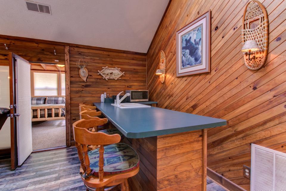 Weeks Creek Lodge - Blue Ridge Vacation Rental - Photo 33