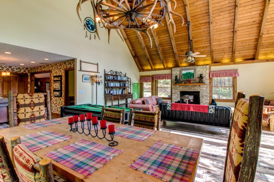Weeks Creek Lodge - Blue Ridge Vacation Rental - Photo 28