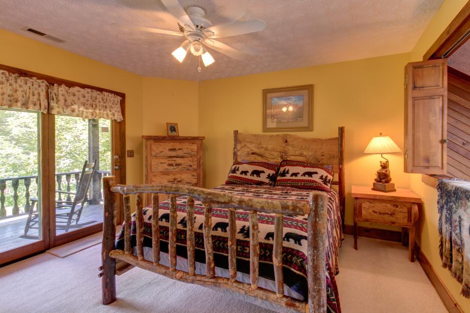 Weeks Creek Lodge - Blue Ridge Vacation Rental - Photo 10
