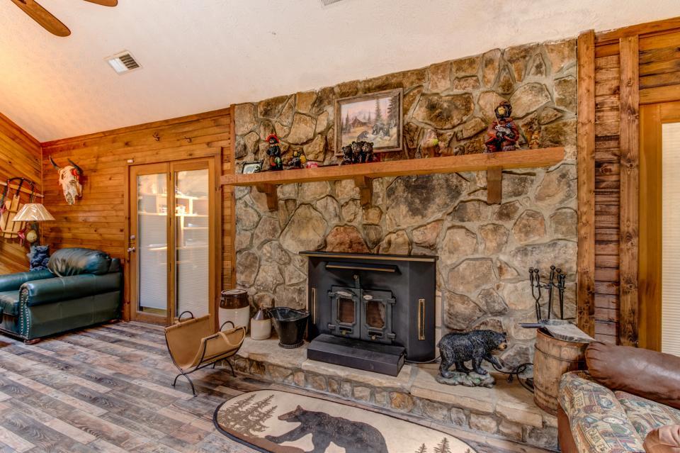 Weeks Creek Lodge - Blue Ridge Vacation Rental - Photo 9