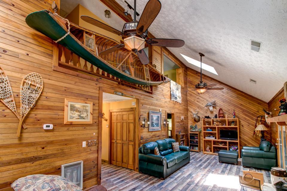 Weeks Creek Lodge - Blue Ridge Vacation Rental - Photo 4