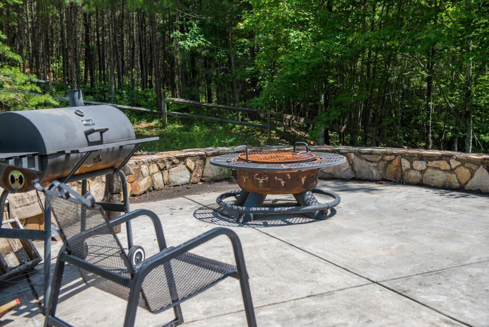 Weeks Creek Lodge - Blue Ridge Vacation Rental - Photo 6