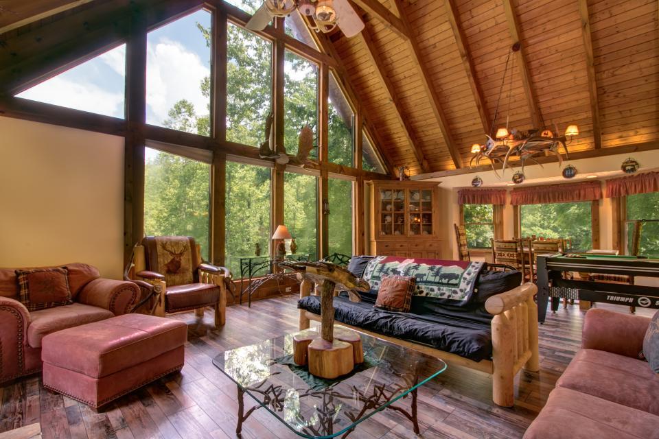 Weeks Creek Lodge - Blue Ridge Vacation Rental - Photo 5