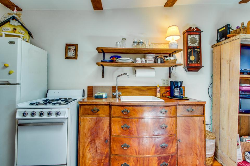 Carriage House - Cayucos Vacation Rental - Photo 6