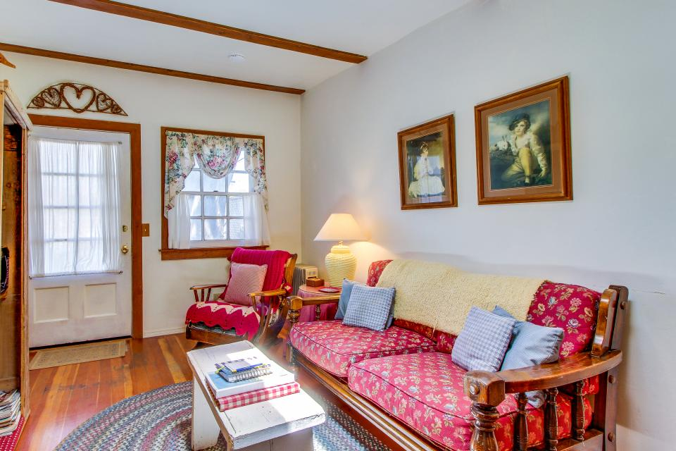 Carriage House - Cayucos Vacation Rental - Photo 2