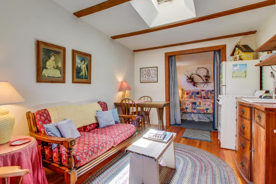 Carriage House - Cayucos Vacation Rental - Photo 4