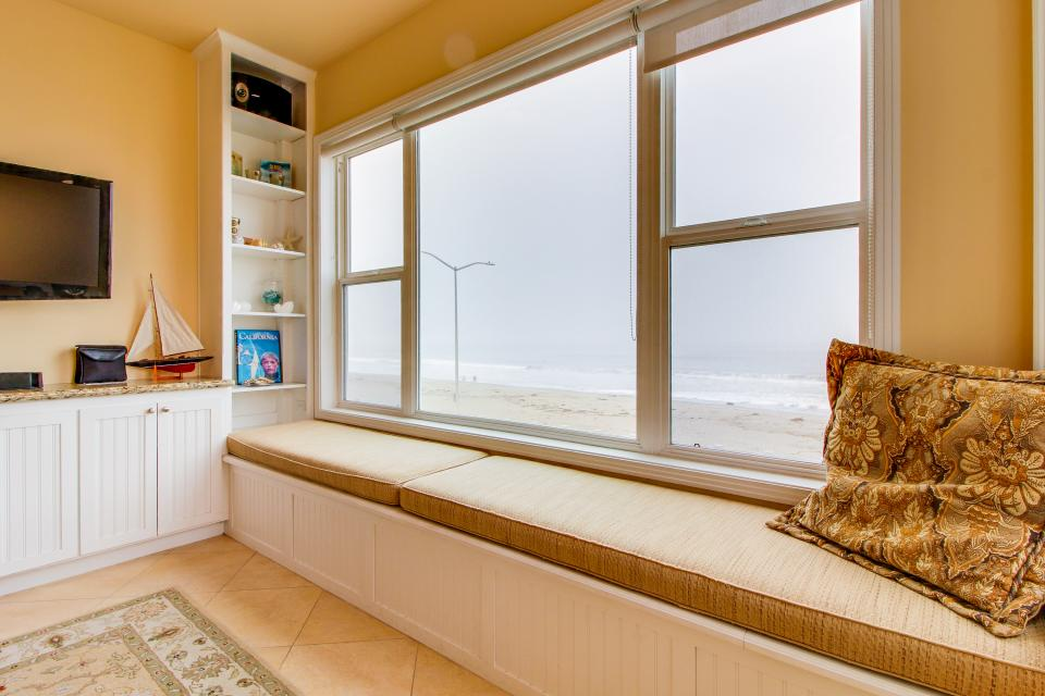 Boardwalk Home - Cayucos Vacation Rental - Photo 4