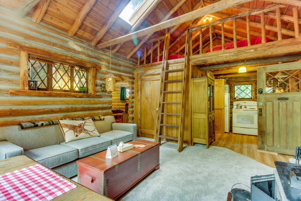 Log Cabin - Greenbank Vacation Rental - Photo 10