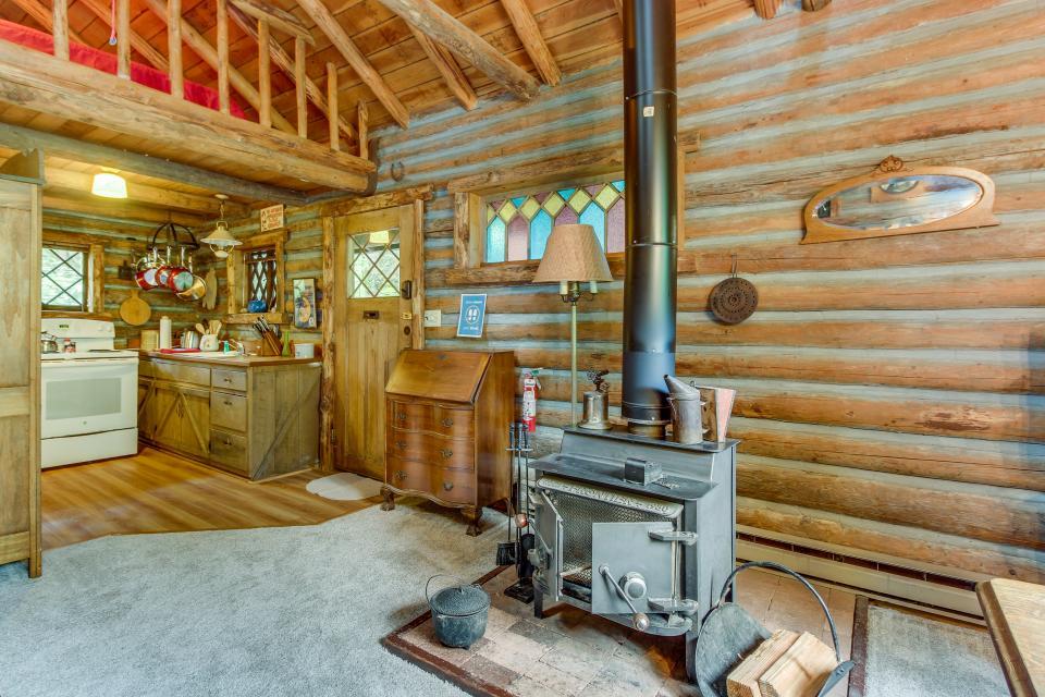 Log Cabin - Greenbank Vacation Rental - Photo 11