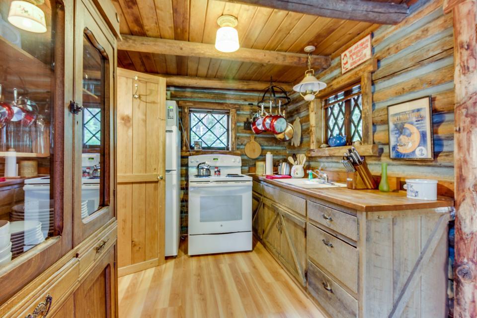 Log Cabin - Greenbank Vacation Rental - Photo 12