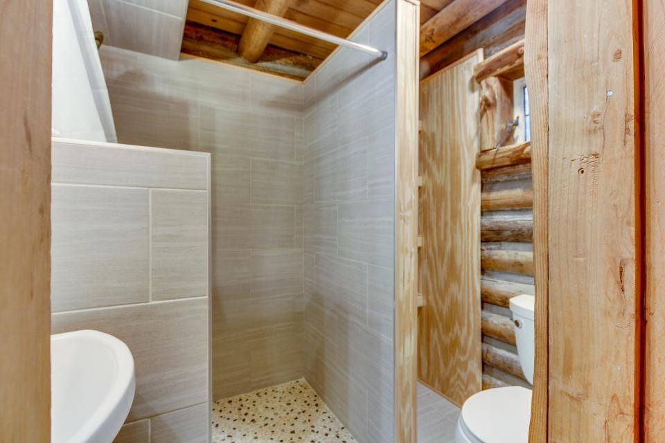 Log Cabin - Greenbank Vacation Rental - Photo 16
