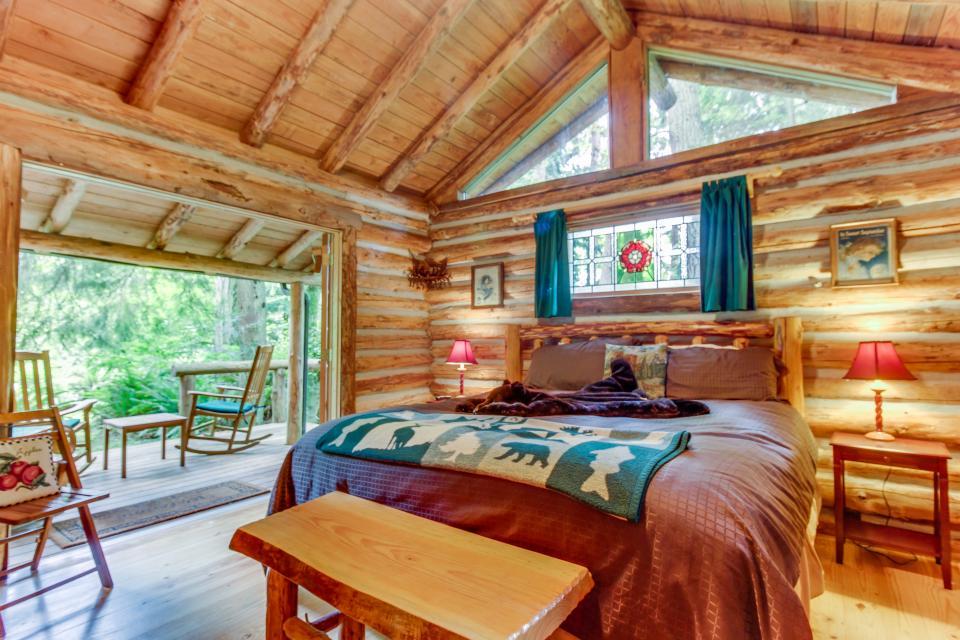 Log Cabin - Greenbank Vacation Rental - Photo 18