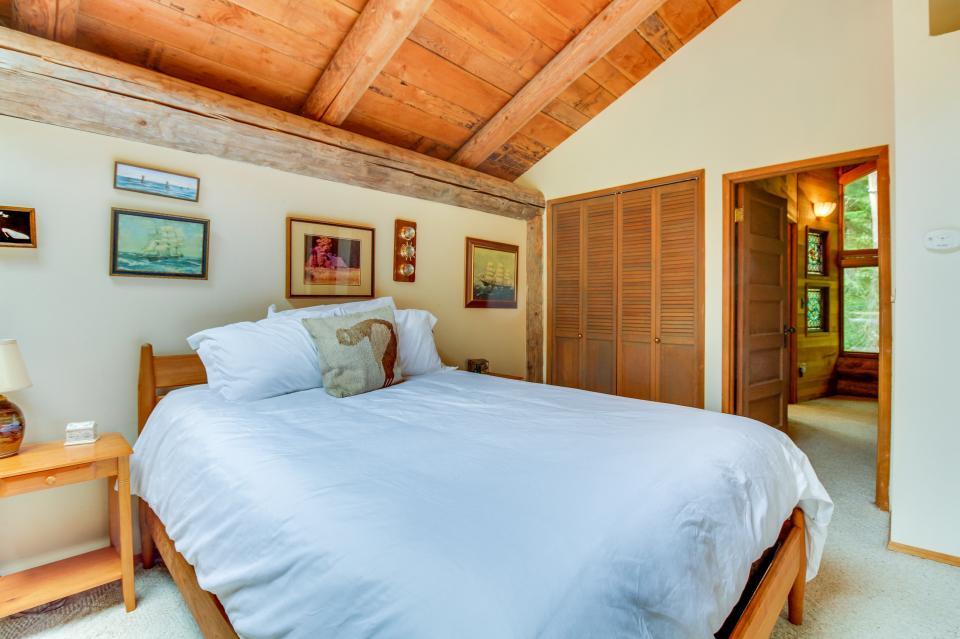 The Lodge - Greenbank Vacation Rental - Photo 26