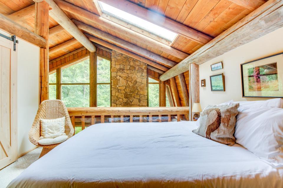 The Lodge - Greenbank Vacation Rental - Photo 25