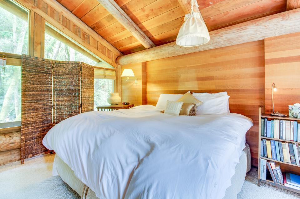 The Lodge - Greenbank Vacation Rental - Photo 21