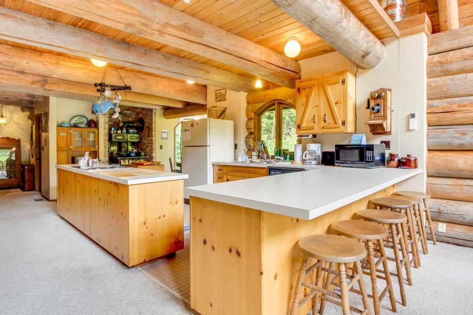 The Lodge - Greenbank Vacation Rental - Photo 15