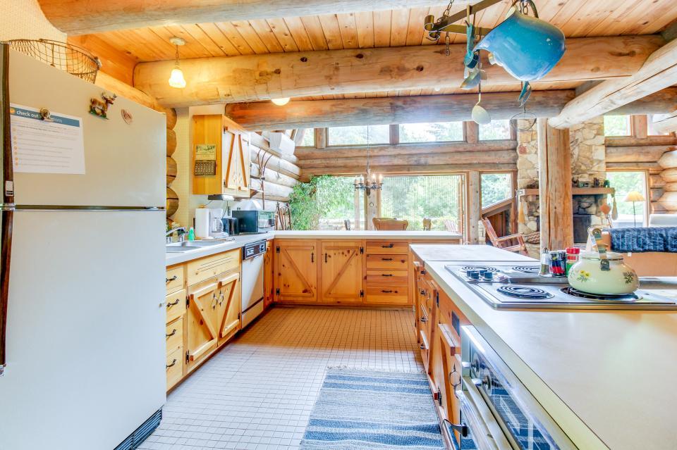 The Lodge - Greenbank Vacation Rental - Photo 13