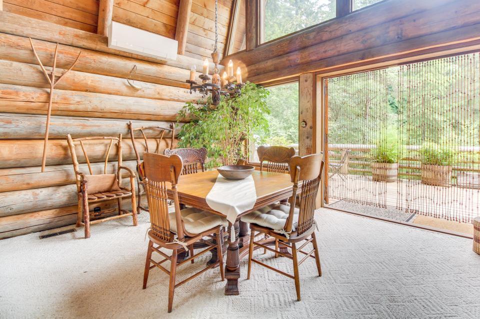 The Lodge - Greenbank Vacation Rental - Photo 7