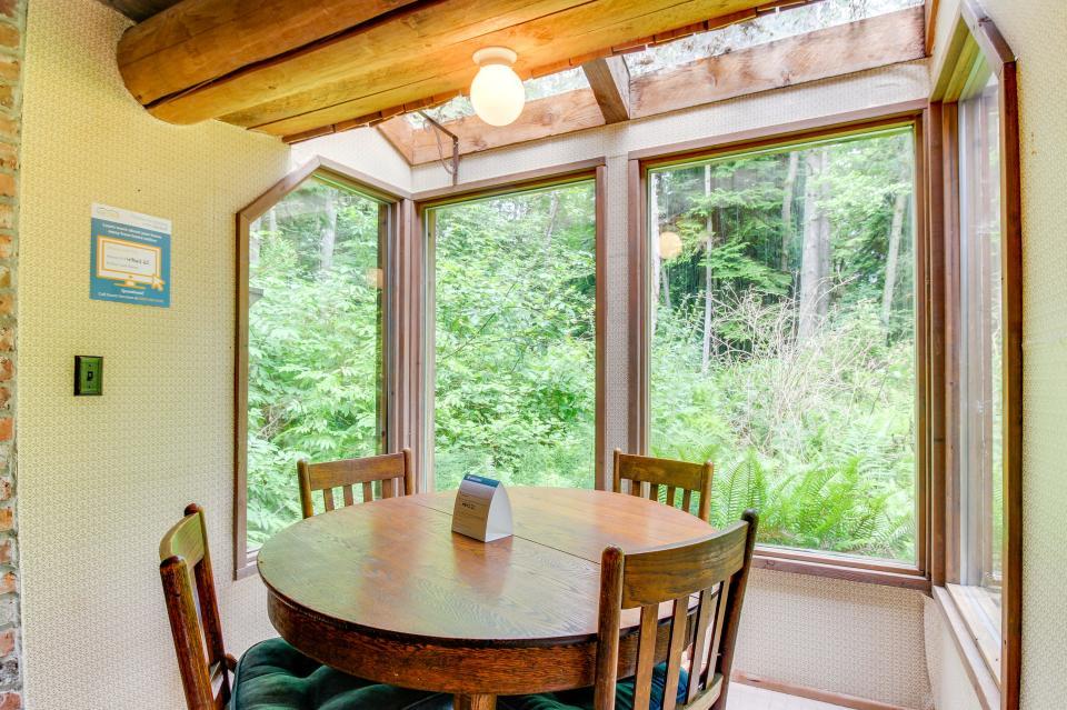 The Lodge - Greenbank Vacation Rental - Photo 6