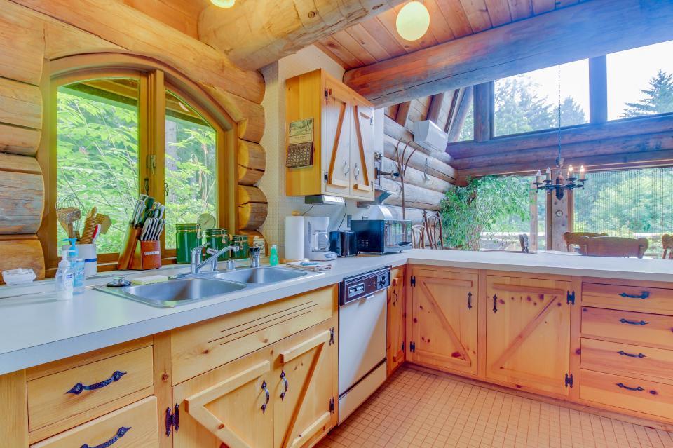 The Lodge - Greenbank Vacation Rental - Photo 5