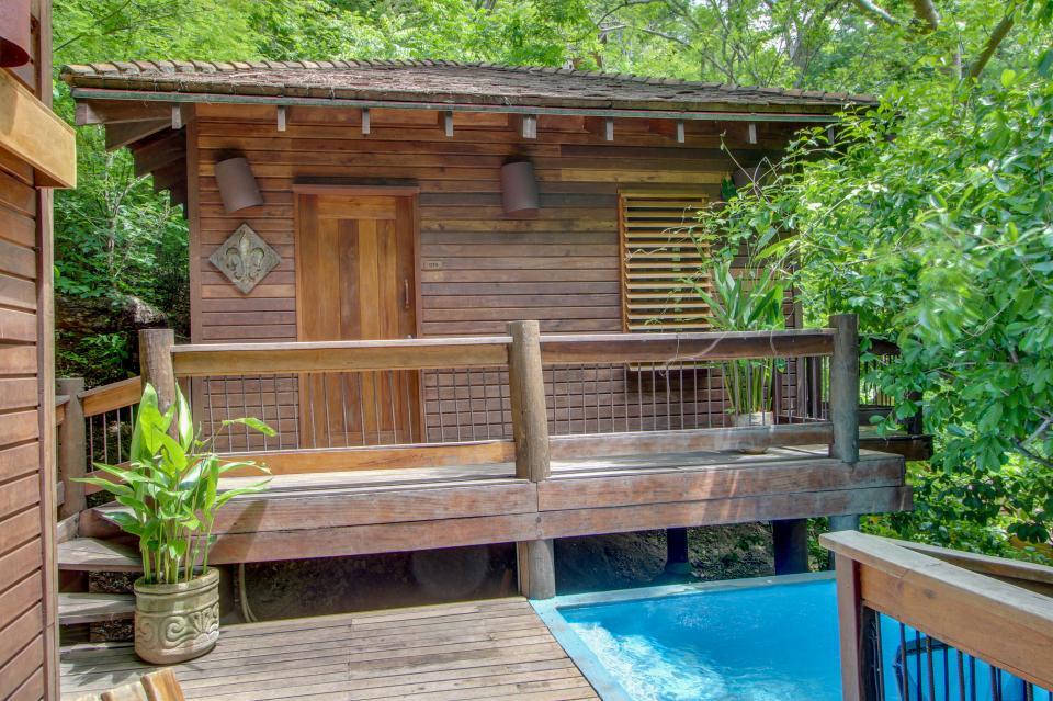 ... Aqua: Casa Quetzal Tree House Studio - Tola Vacation Rental - Photo 1  ...