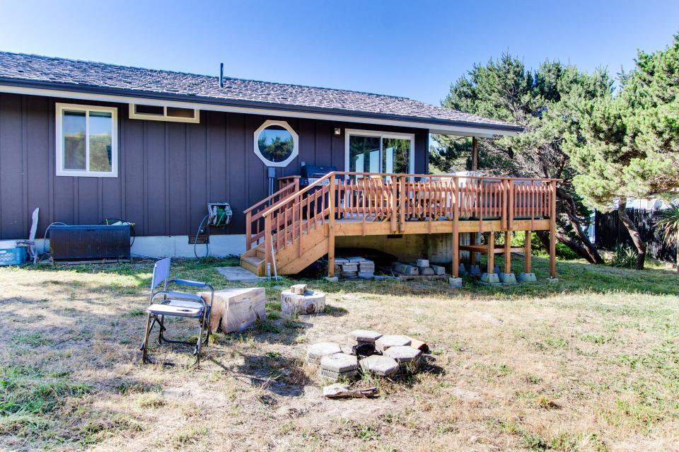 Tradewinds Cottage - Waldport Vacation Rental - Photo 25