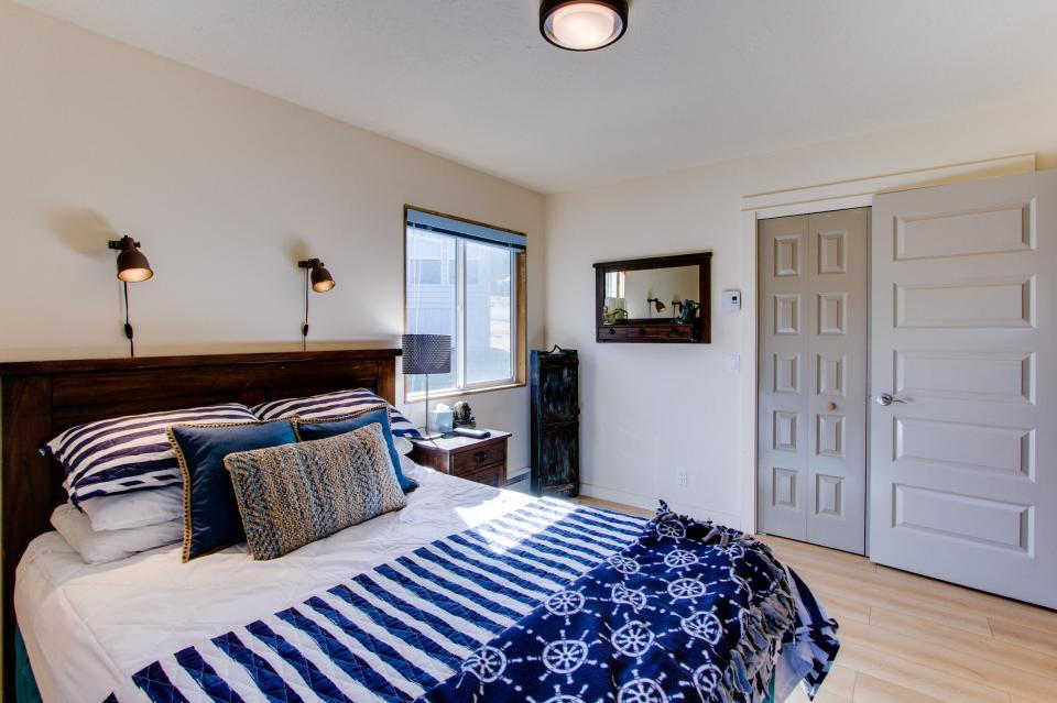 Tradewinds Cottage - Waldport Vacation Rental - Photo 18