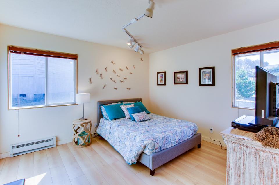 Tradewinds Cottage - Waldport Vacation Rental - Photo 15