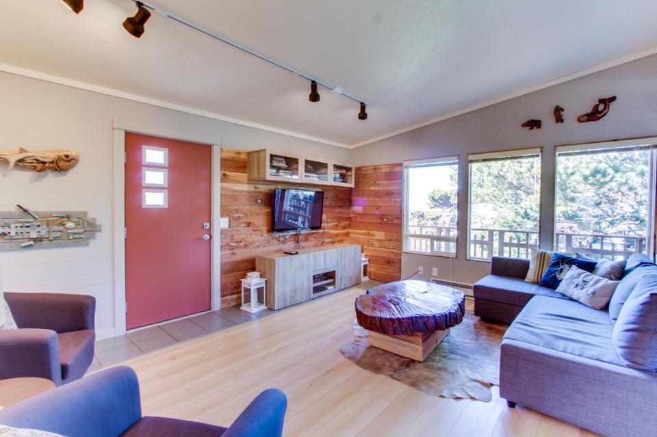 Tradewinds Cottage - Waldport Vacation Rental - Photo 3