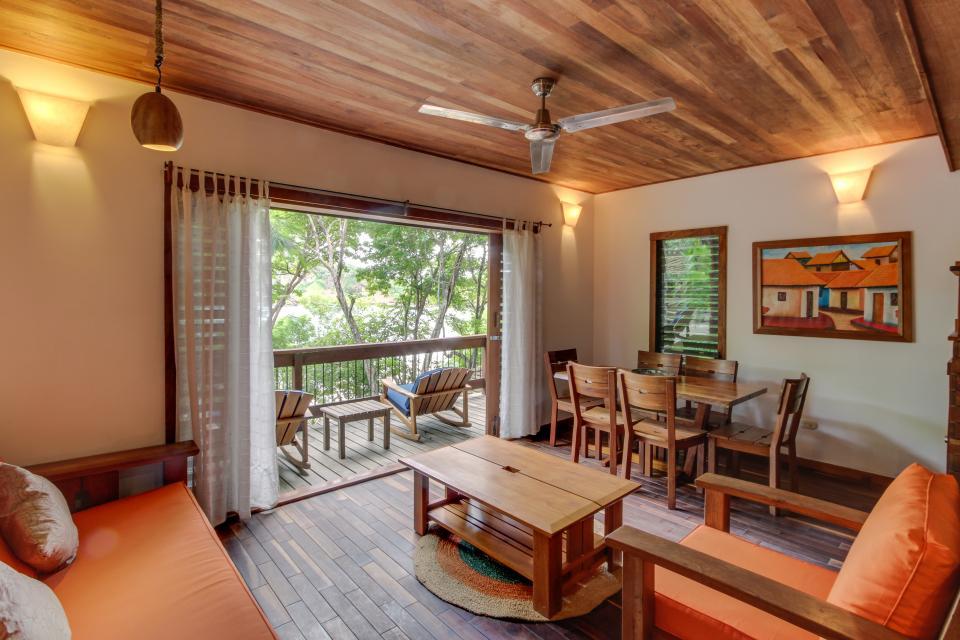 Aqua: Casa Urraca Luxury Two Bedroom Tree House   2 BD Vacation ...