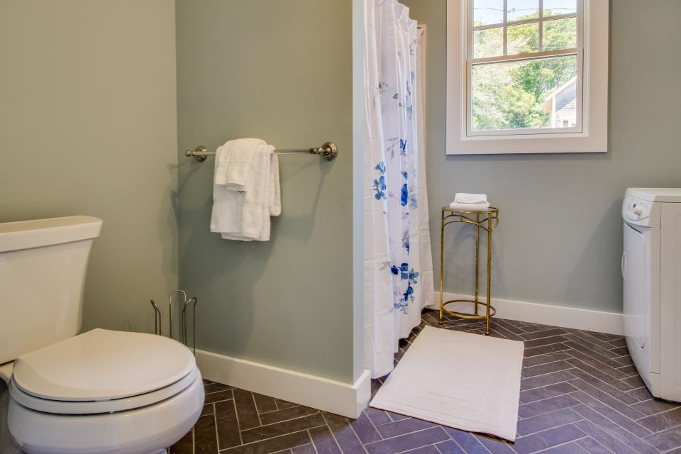 The Mermaid Suite - Vineyard Haven Vacation Rental - Photo 17
