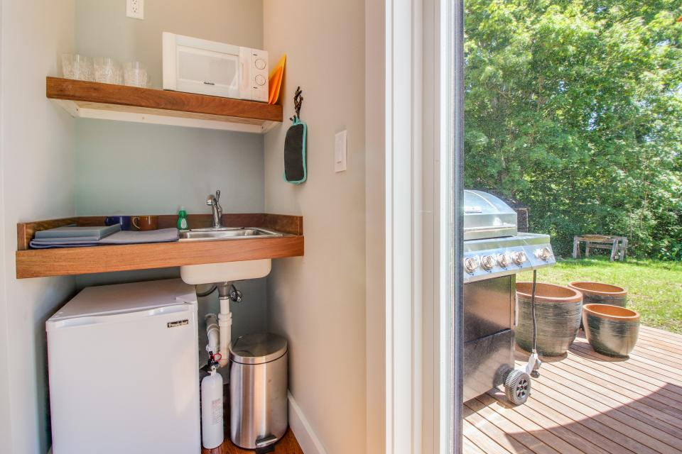 The Mermaid Suite - Vineyard Haven Vacation Rental - Photo 10