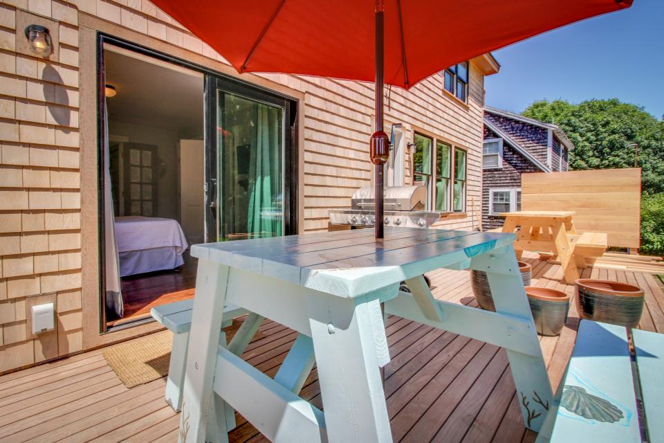 The Mermaid Suite - Vineyard Haven Vacation Rental - Photo 18