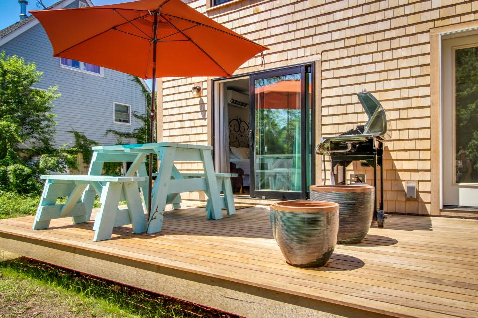 The Mermaid Suite - Vineyard Haven Vacation Rental - Photo 7
