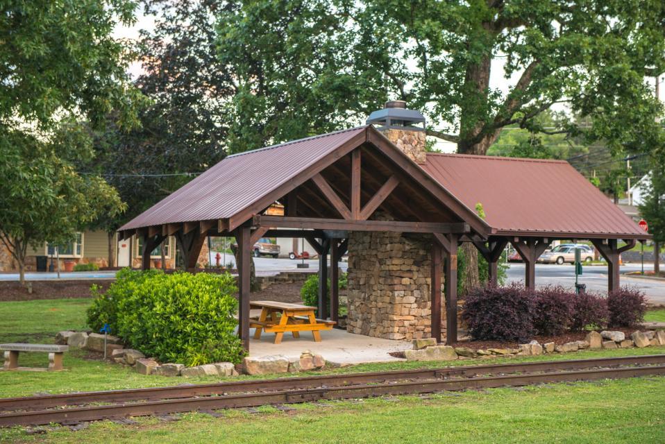 Weeks Creek Lodge - Blue Ridge Vacation Rental - Photo 47