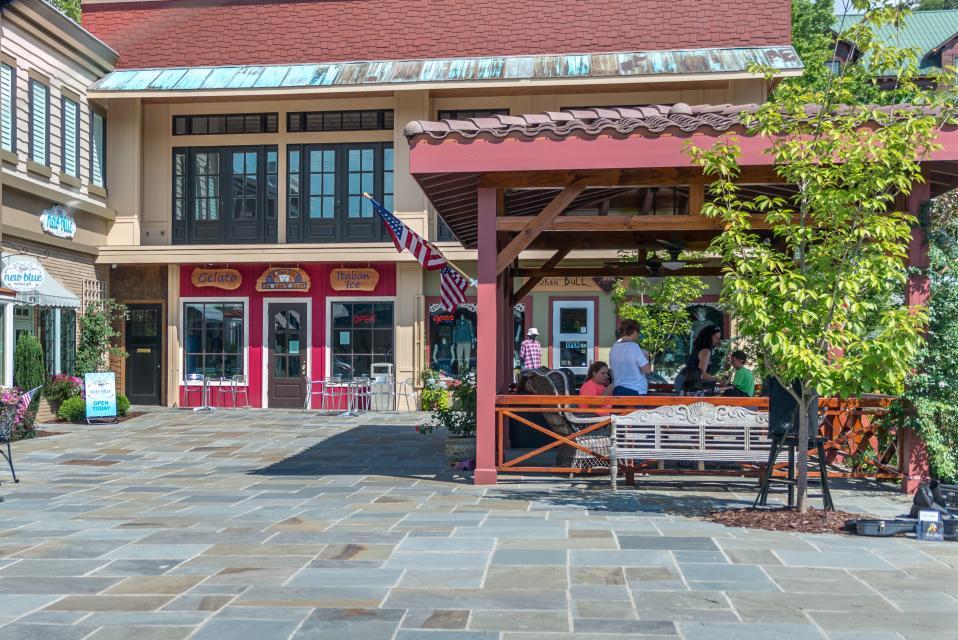Weeks Creek Lodge - Blue Ridge Vacation Rental - Photo 49