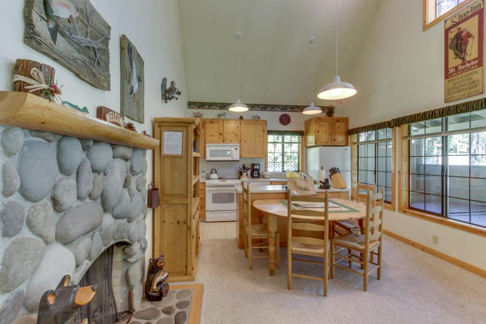 Sun River Ranch circle 4 ranch 31 | discover sunriver | 3 bd vacation rental in