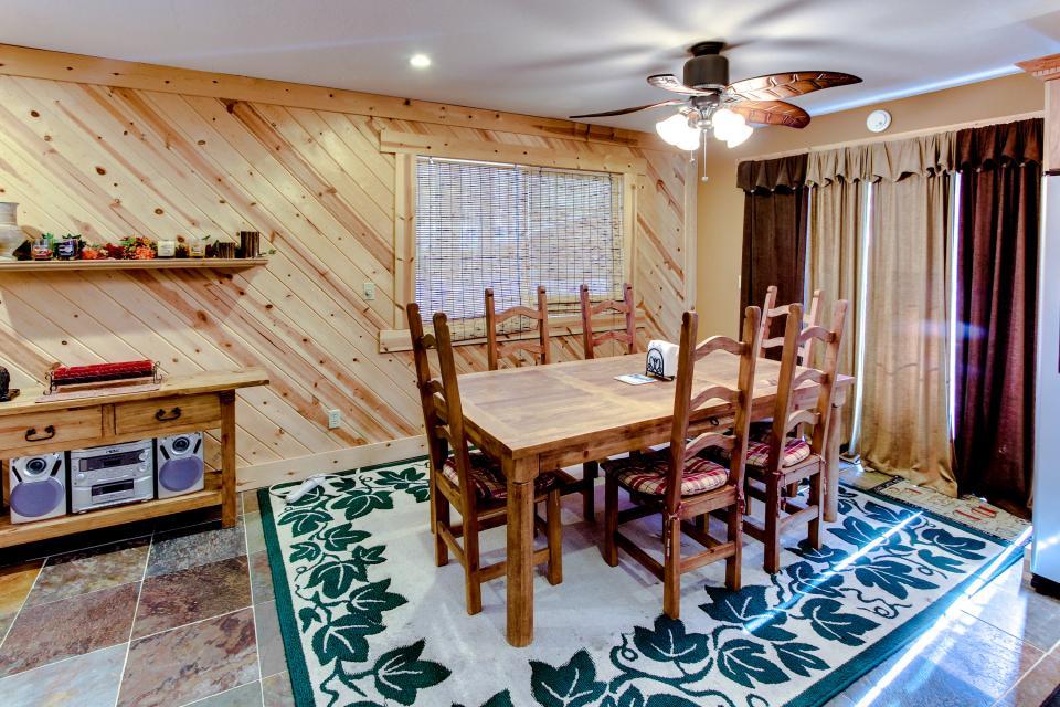 Tamarack Mountain Home - South Lake Tahoe Vacation Rental - Photo 9