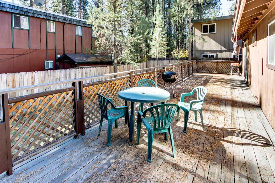 Tamarack Mountain Home - South Lake Tahoe Vacation Rental - Photo 4