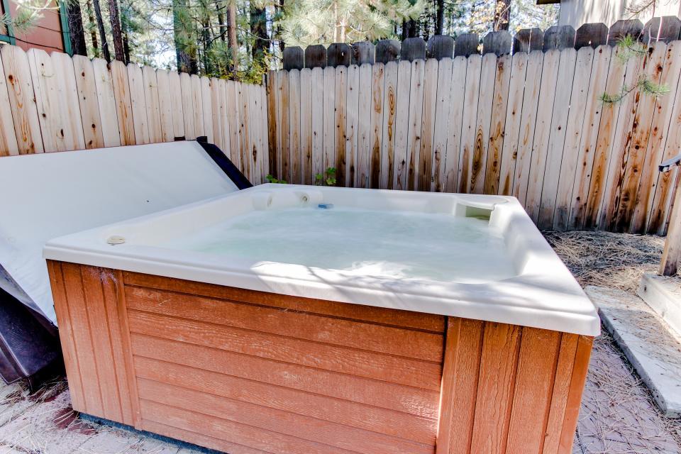 Tamarack Mountain Home - South Lake Tahoe Vacation Rental - Photo 18