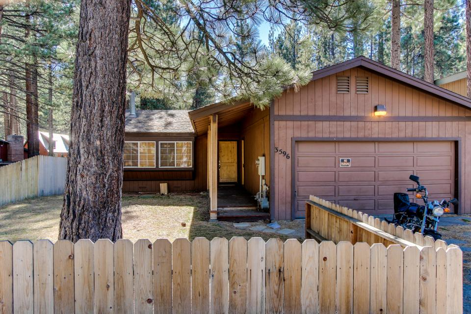 Tamarack Mountain Home - South Lake Tahoe Vacation Rental - Photo 21