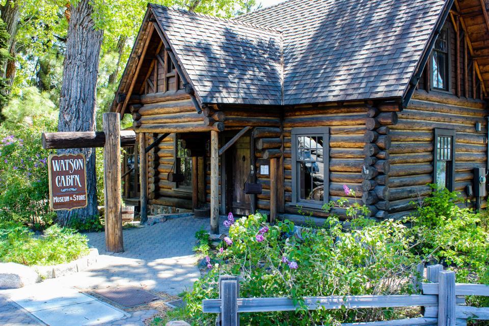Tamarack Mountain Home - South Lake Tahoe Vacation Rental - Photo 32