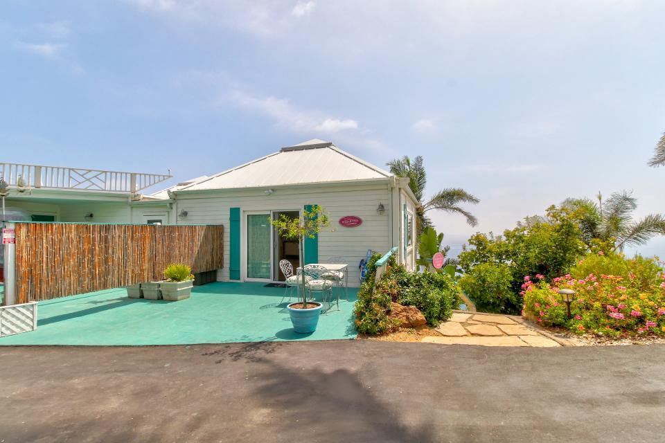 Ocean Sunsets Suite + Malibu Beachcomber Bungalow - Malibu Vacation Rental - Photo 6