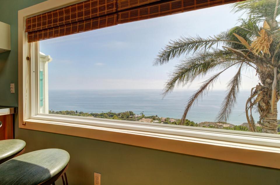 Ocean Sunsets Suite + Malibu Beachcomber Bungalow - Malibu Vacation Rental - Photo 7