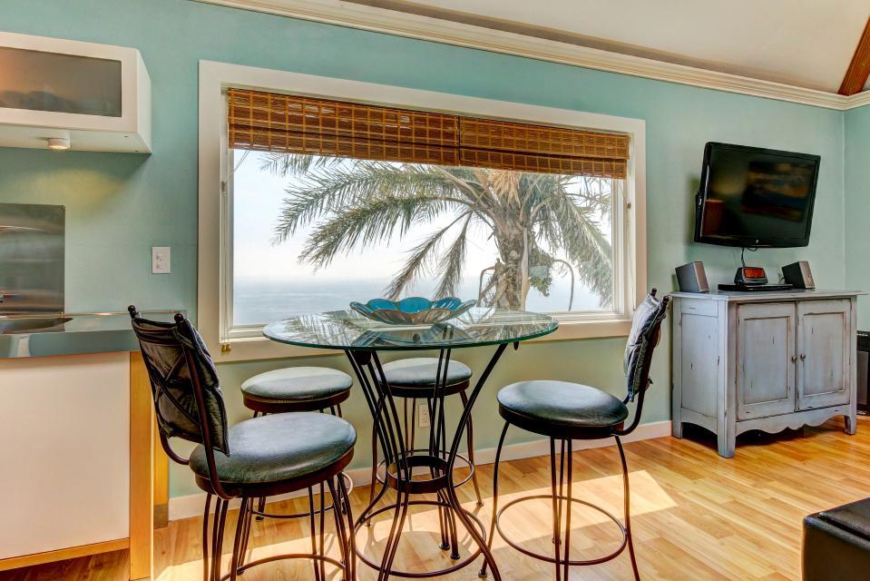 Ocean Sunsets Suite + Malibu Beachcomber Bungalow - Malibu Vacation Rental - Photo 14