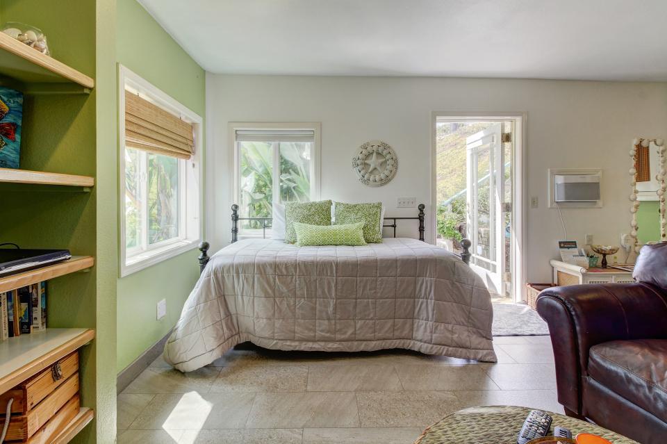 Ocean Sunsets Suite + Malibu Beachcomber Bungalow - Malibu Vacation Rental - Photo 28