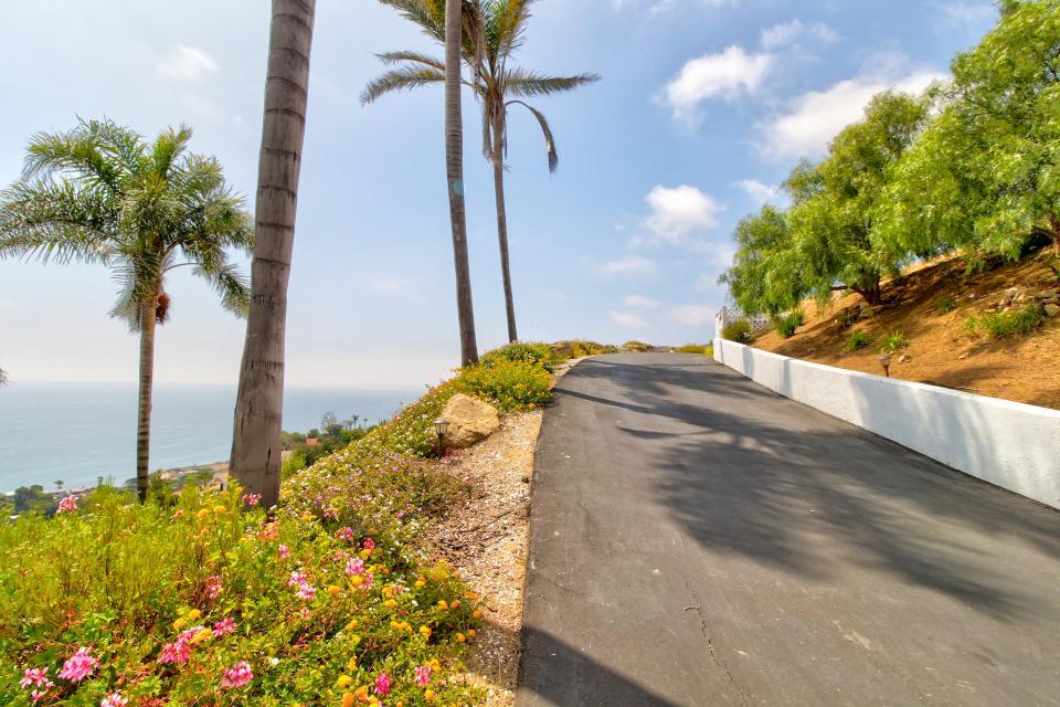 Ocean Sunsets Suite + Malibu Beachcomber Bungalow - Malibu Vacation Rental - Photo 40